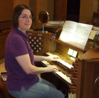 Organist Heidi